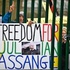 Hundreds of protesters gather to support Julian Assange at extradition hearing