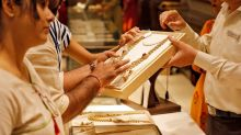 India gold prices hit record high on safe-haven rush, weak rupee