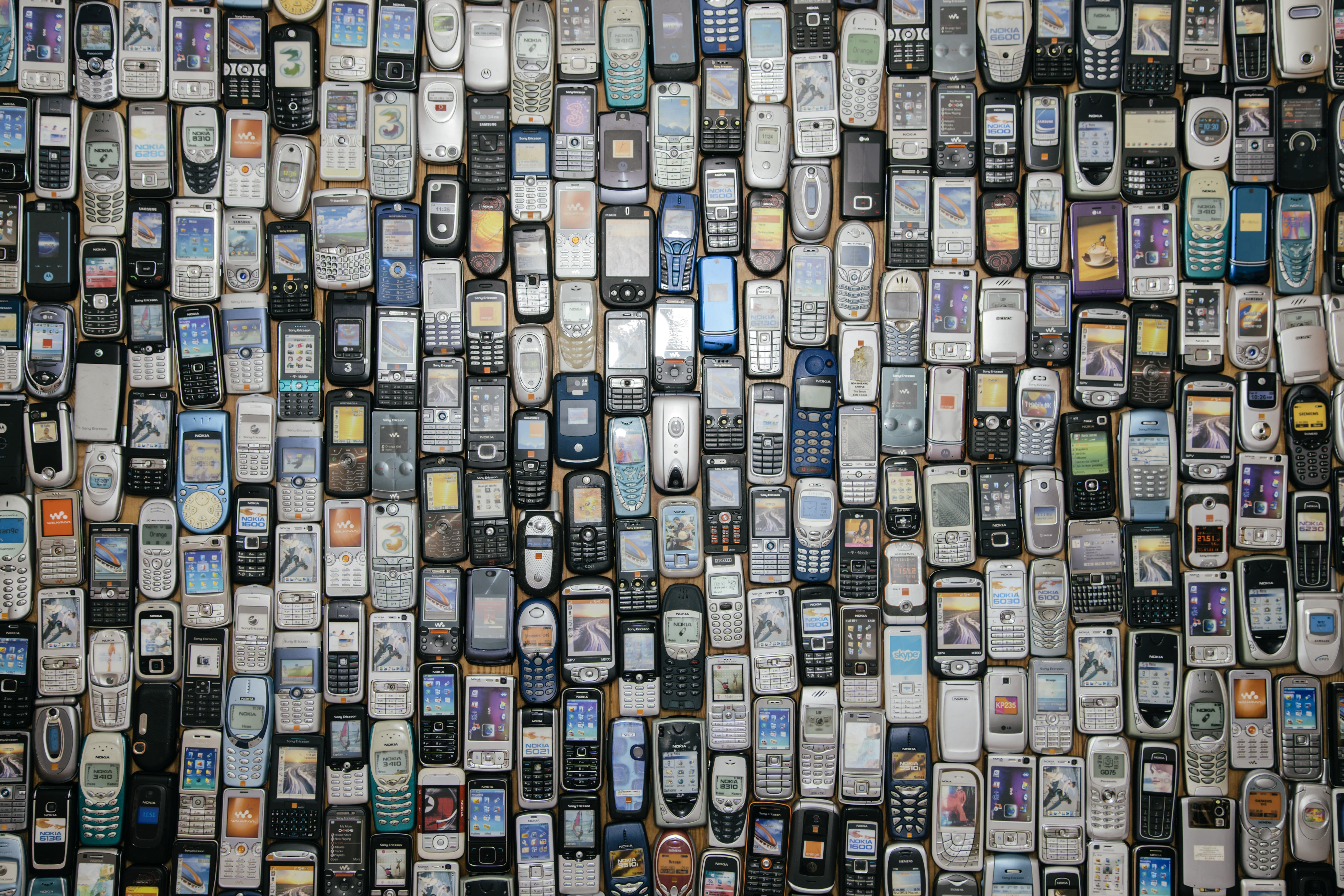 Lots of old mobile phones