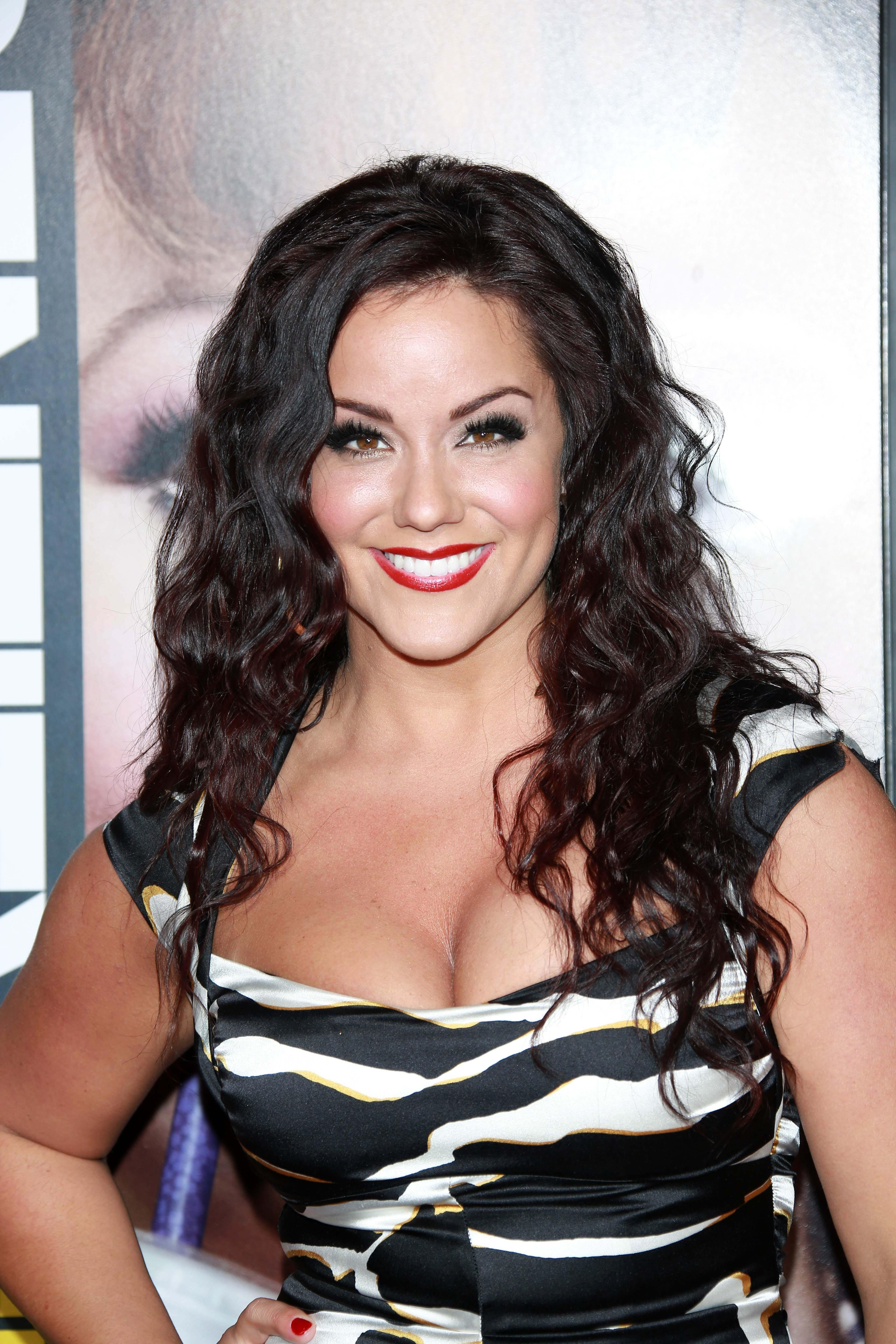 Katy Mixon To Play The Lead In 'Second Fattest Housewife ... Katy Mixon
