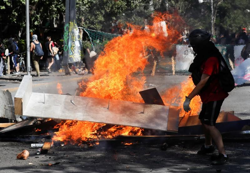 Massive protests against health, living costs in Chile