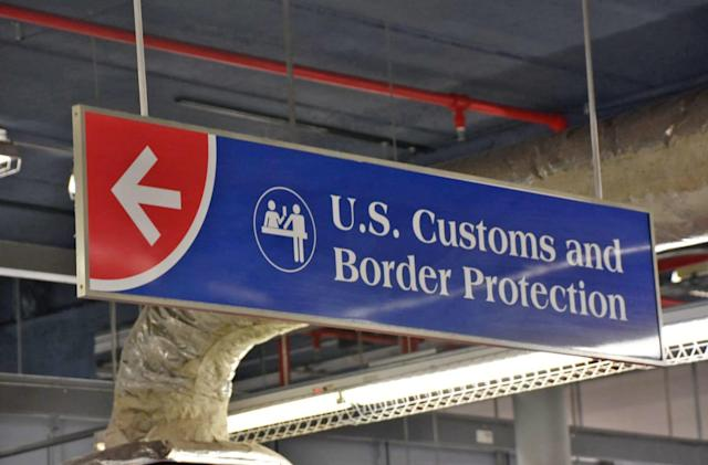 Senators propose legislation to protect your phone at the border