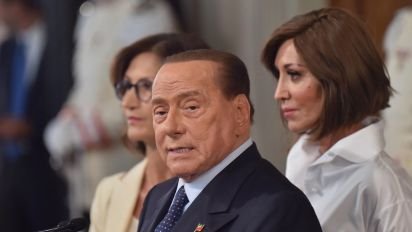 Sud, Berlusconi: Sicilia isola sull'orlo del suicidio