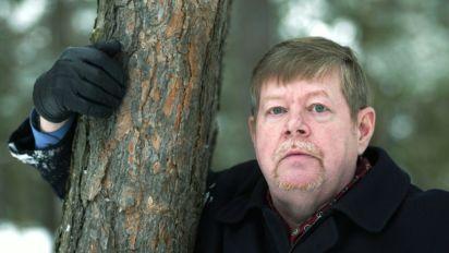 """Mort de l'écrivain finlandais Arto Paasilinna, auteur du """"Lièvre de Vatanen"""""""