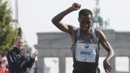Ethiopian Bekele storms to victory in Berlin marathon