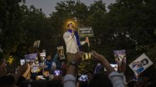 Hundreds in India protest government handling of fatal rape