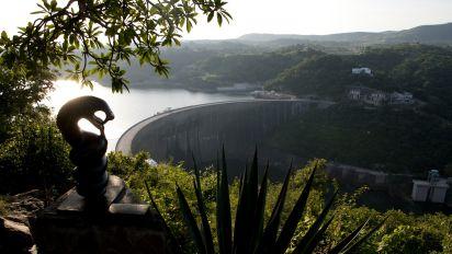 Sequía afecta operaciones energéticas de mayor represa del mundo