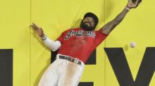 Clevinger welcomed back, Indians rally late to top Twins