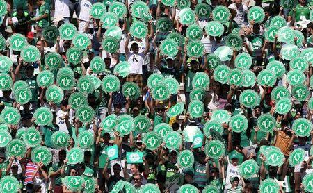Imagen de archivo de hinchas de Chapecoense en un encuentro amistoso frente a Palmeiras en el Arena Condá de Chapecó, Brasil