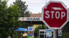 """""""Dans la vie quotidienne, la frontière n'existe pas"""": côté français, on redoute une nouvelle fermeture de la frontière suisse"""