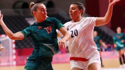 JO - Hand (F) - «Il y avait du stress», reconnaît Laura Flippes après la victoire de la France sur la Hongrie aux JO de Tokyo