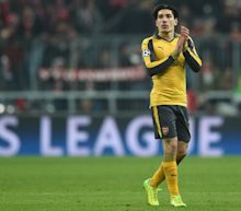 Hector Bellerin denies knowledge of Barcelona offers as Spaniard remains committed to Arsenal