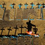 Record virus deaths in Brazil, Mexico spur defence efforts
