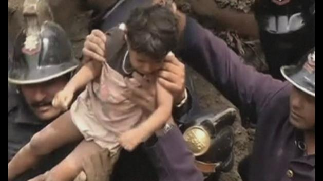 Survivors pulled from collapsed building in Mumbai