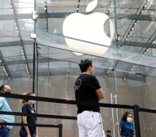Apple to re-close more stores in seven U.S. states, bringing total to 77