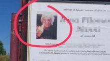 """Defunta fa dito medio sul manifesto. I parenti: """"Foto che la rispecchia: era originale"""""""