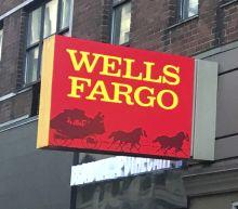 Munger diverges from Buffett on Wells Fargo: 'Warren got disenchanted'