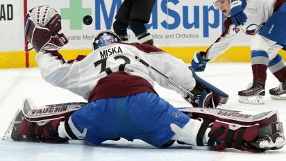Avs goalie holds off final flurry for victory