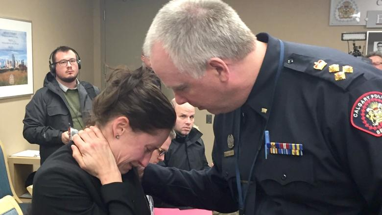 Calgary police officer resigns at emotionally charged commission meeting