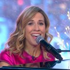 Sheryl Crow debuts song dedicated to Sandy Hook victims live on 'GMA'