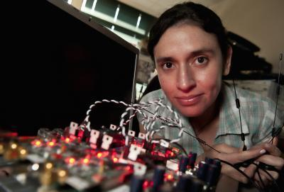 Researchers demo full-duplex wireless: double the throughput with no new towers