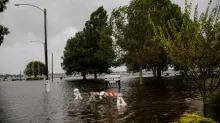 Hurricane Florence weakens but deluges Carolinas ahead of landfall
