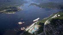 Kinder Morgan Canada revenue for pared-back assets climb, distributes windfall