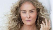 Aos 44 anos, Angélica posa ao natural e exibe sardas