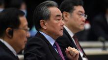 """Chinas Außenminister verteidigt Wahlrechtsreform für Hongkong als """"vernünftig"""""""