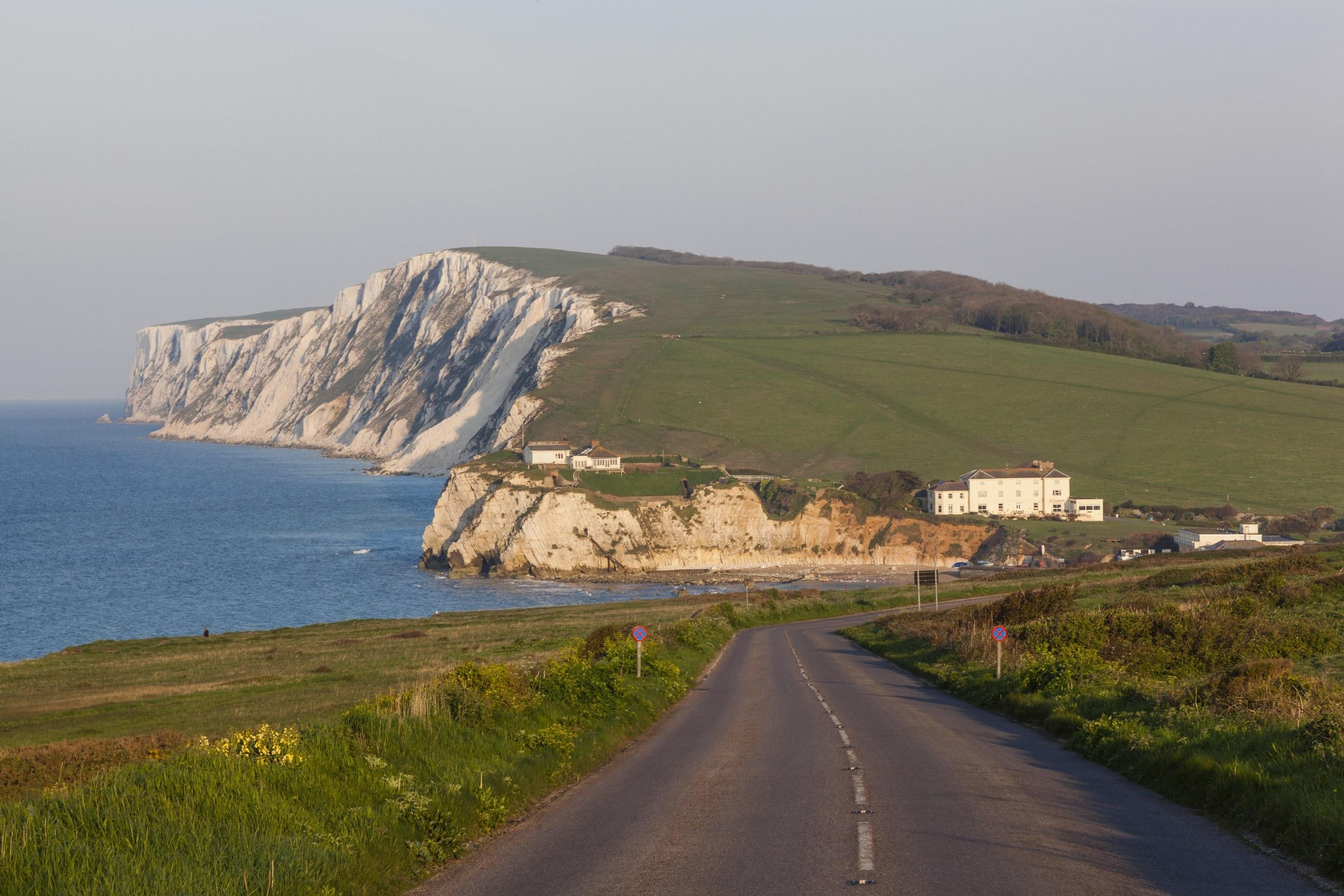 With its verdant rolling hills, dramatic seaside scenery, windy roads that bend inland towards green valleys and bend seaward toward white chalk cliffs, the Isle of Wight is any bike-enthusiasts dream setting. Best of all, perhaps, is that the Isle of Wight is a mere three hour drive southwest of London, making it an ideal weekend cycling trip.