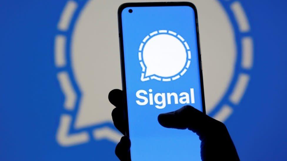 WhatsApp changes: Signal messaging platform stops working as downloads surge