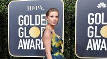 Taylor Swift celebra en casa sus tres premios de los American Music Awards