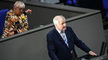 Roth bescheinigt Seehofer «Totalversagen» in Moria-Krise