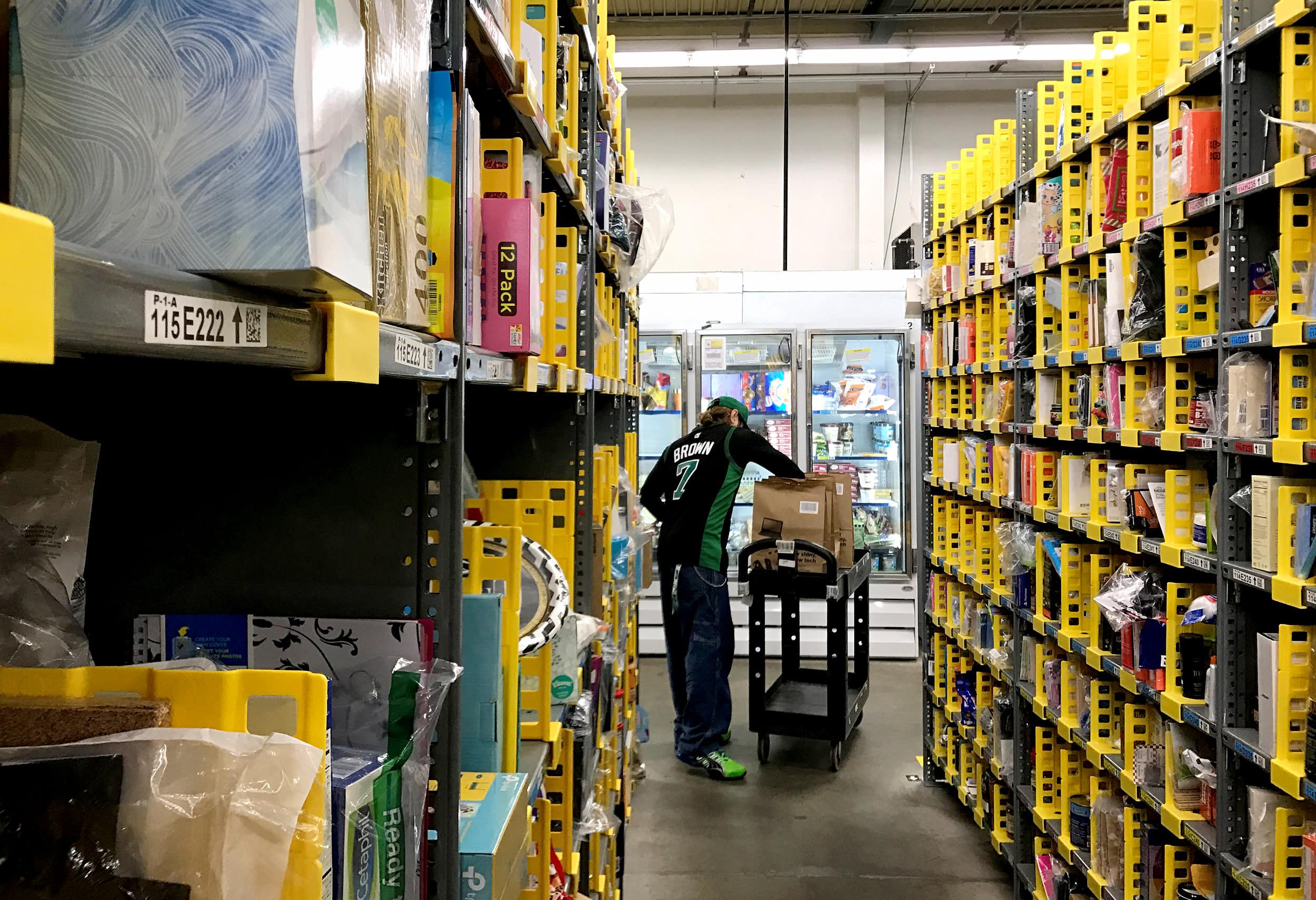 A bathroom-break bill? California looks to make sure warehouse workers can take a break