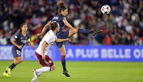 Frauenfußball: Bayern geht in Paris unter