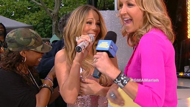 Mariah Carey Jokes Through NYC Wardrobe Snafu
