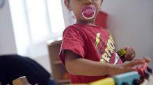 """Crèches, assistantes maternelles: le masque """"pas obligatoire en présence des enfants"""""""