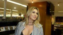Lívia Andrade volta ao Fofocalizando no lugar de Flor; Mara Maravilha continua afastada