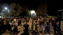 Masjid dibuka kembali di Arab Saudi dan Yerusalem di tengah kesengsaraan virus