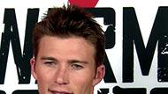 WOWtv - Scott Eastwood Gives Refreshing Look on Acting and Fam