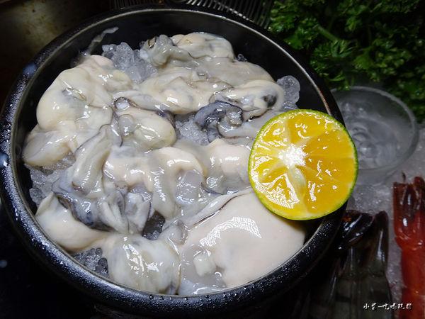 極蜆鍋物-鮮蚵 (2).jpg