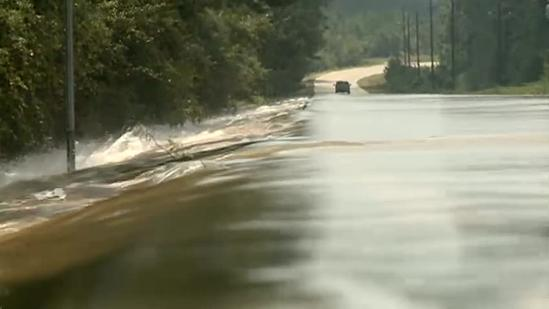 Water from Bogue Chitto River washes into homes
