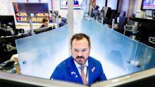 Wall Street abre en rojo arrastrado por la caída en el rendimiento de los bonos públicos