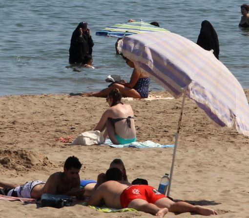 France warning as burkini furore heats up