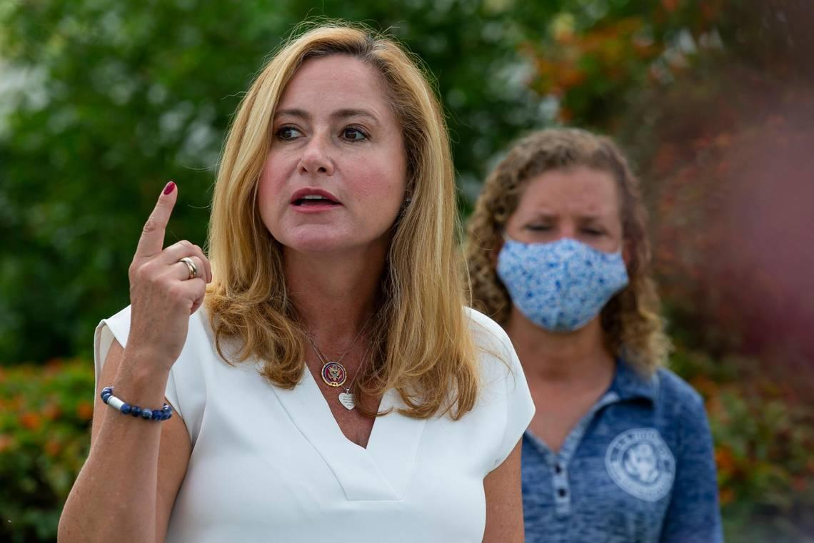Miami Democrat wants gun dealers held responsible for suspected straw purchases