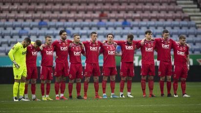 Überraschende Feier eines überraschenden Sieges: Englischer Fußballverein geht mit Adele-Ballade viral