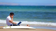 The more money you make, the harder it is to be on vacation: LinkedIn