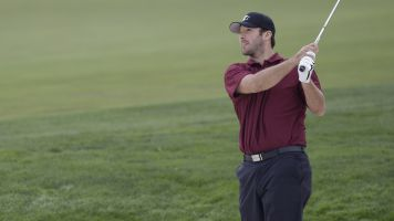 Tony Romo beats other celebs for golf title