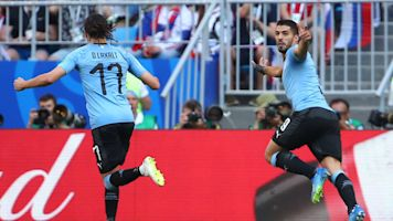 Suarez, Uruguay too much for Russia