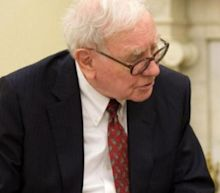 Trump To Buffett: 'Should Have Kept The Airline Stocks'